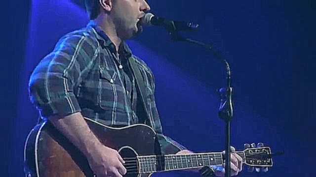 Chris Young - Don Close Your Eyes -at the Grand Ole Opry on Opry Live - видеоклип на песню