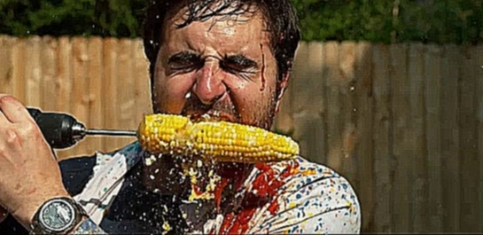 Поедание кукурузы гифка